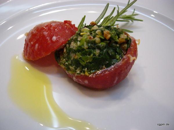 Tomaten gefüllt mit Spinat und Mascarpone